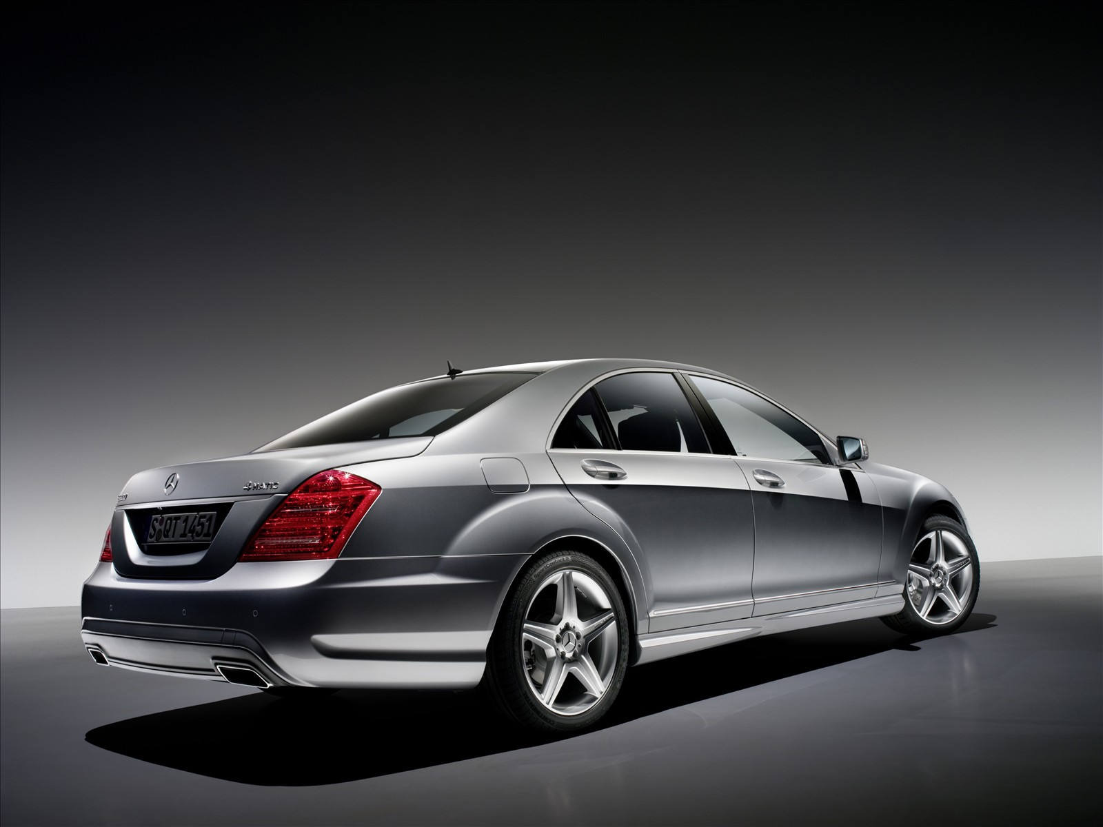 all types of autos 2010 mercedes benz s class amg sports. Black Bedroom Furniture Sets. Home Design Ideas
