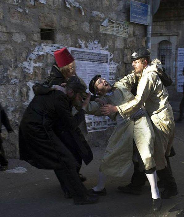 Lucifer Dalam Islam Adalah: Sebuah Kehidupan: Purim: Pesta Mabuk Yang Digalakkan