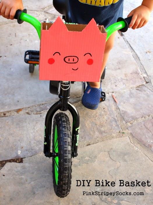 Make your own DIY bike basket from cardboard!