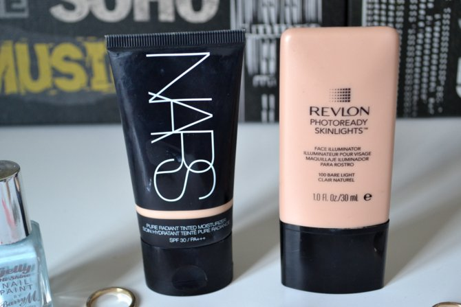 Revlon Photoready Skinlights in Bare Light