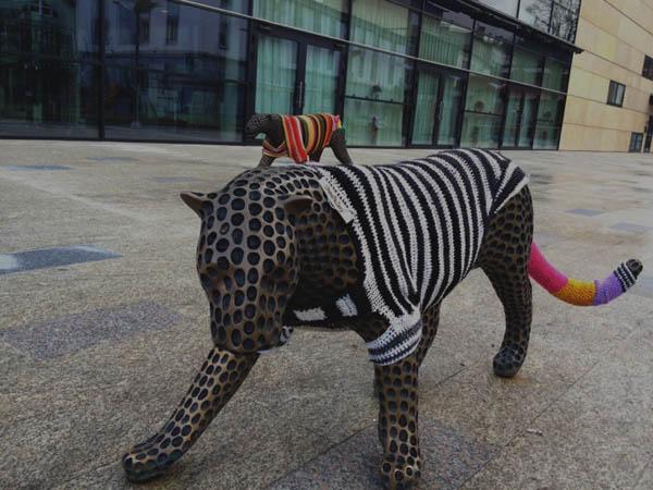 arte de rua - gerrilla crochet - trutnov