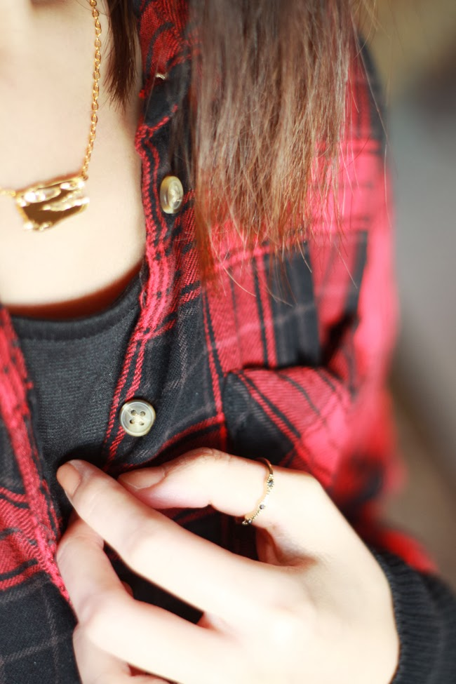 vinca necklace, dino skull necklace, bold jewelry design, favorite necklace, creative necklace, fun necklace design, best necklace material, mirror gold acrylic, HM plaid shirt, HM black beanie, forever21 dress, converse leather sneakers
