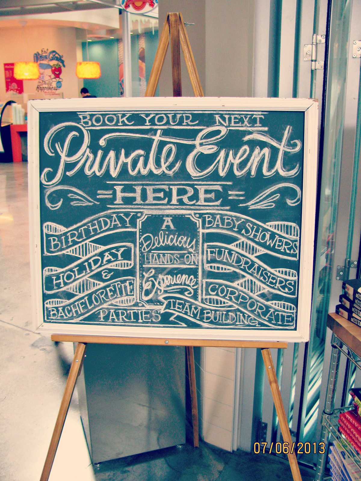 Santa Monica Place // Chalkboard Hand-Lettering at The Market