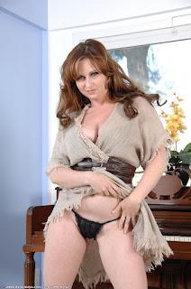Ordinary Women Nude - sexygirl-vio013AJS_244818013-753626.jpg