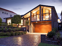 foto de fachada de casa moderna de ladrillo visto