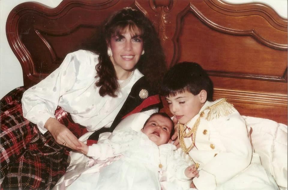 Loly en el bautizo de Sonia y primera comunion de Carlos
