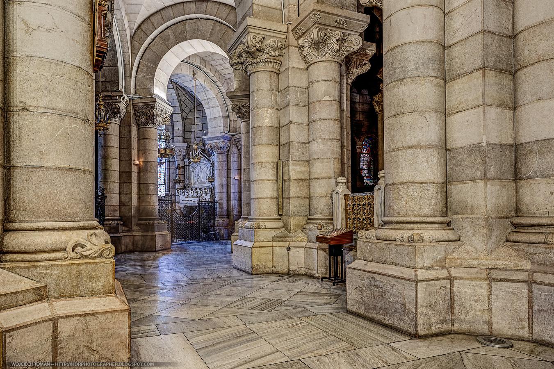 Neo-romanesque crypt in Madrid