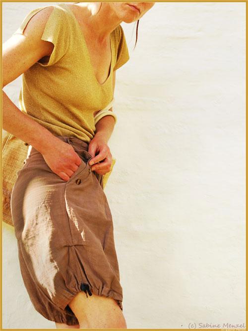 Psynopsis Frangipani Bloomers Gold T-Shirt