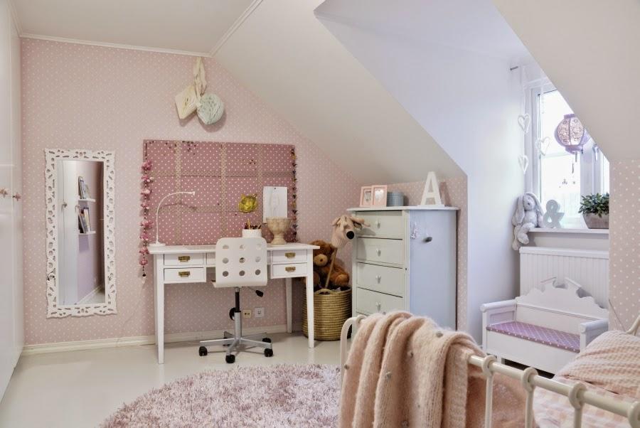 wystrój wnętrz, home decor, wnętrza, mieszkanie, dom, aranżacje, białe wnętrza, pokój dziecięcy, różowy pokój