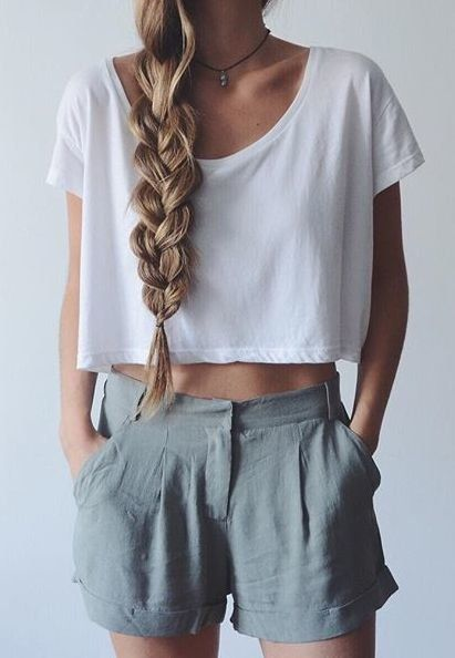 Just a Pretty Style Fashion trends | Voluminous braid loose crop top and high waist grey shorts