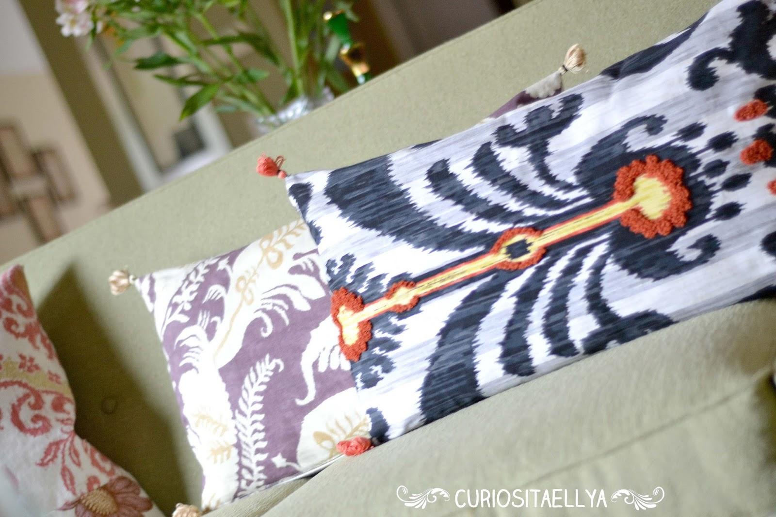 Floor Pillows Anthropologie : Curiositaellya: Home Made Anthro Inspired Throw Pillows {DIY}