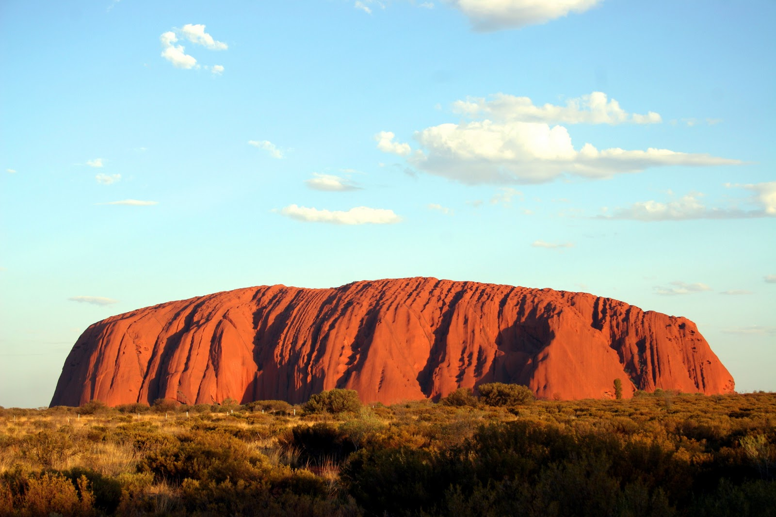 http://3.bp.blogspot.com/-NptrH7d7jyc/Twk64UWLK-I/AAAAAAAACUM/u8qVks5rtBc/s1600/Uluru_Ayers_Rock_Alice_Springs_Australia101.jpg