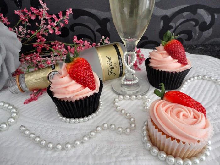 cupcakes-cava-fresas