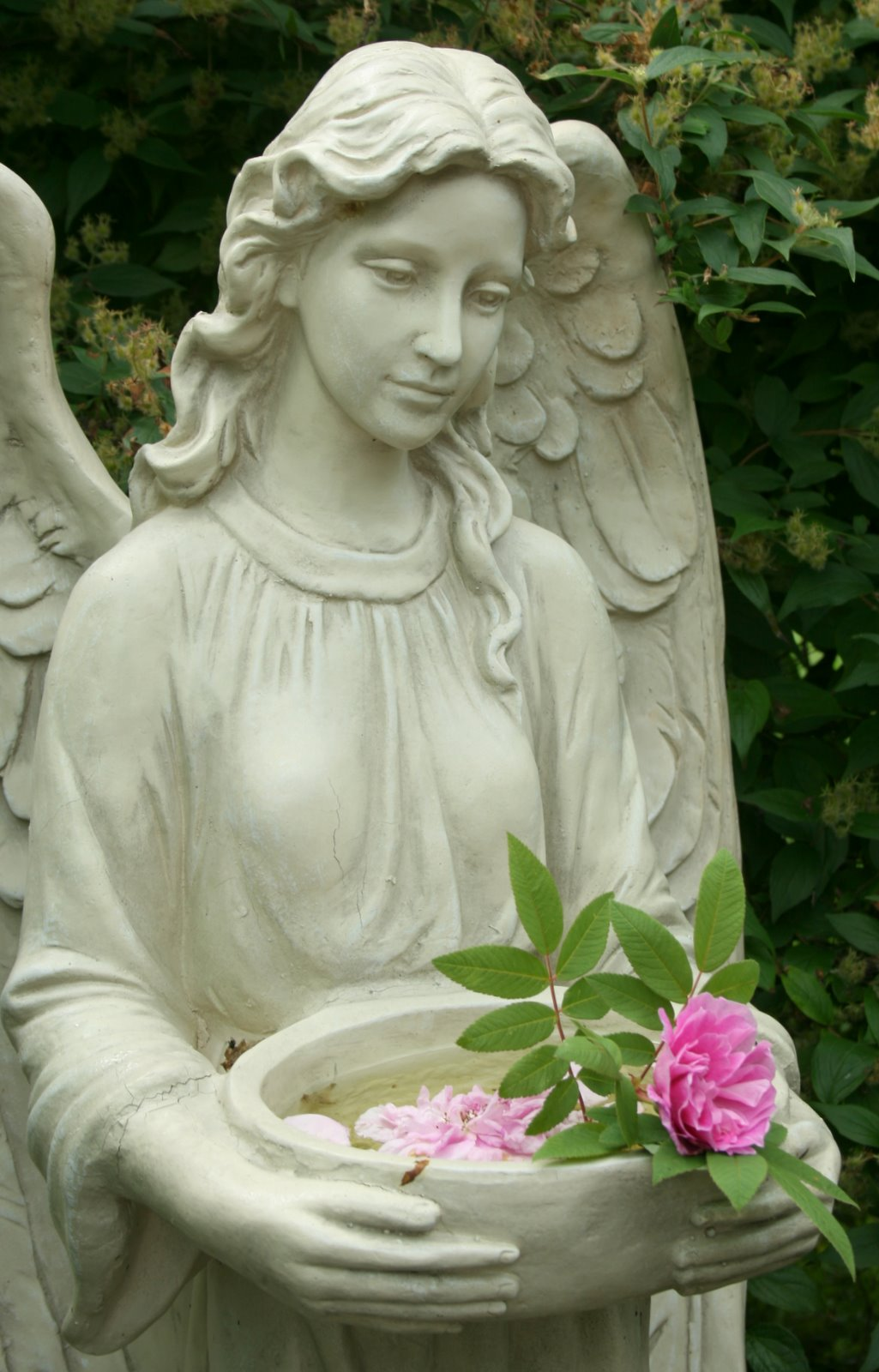 Aiken house gardens a sense of enclosure - Angel statue for garden ...