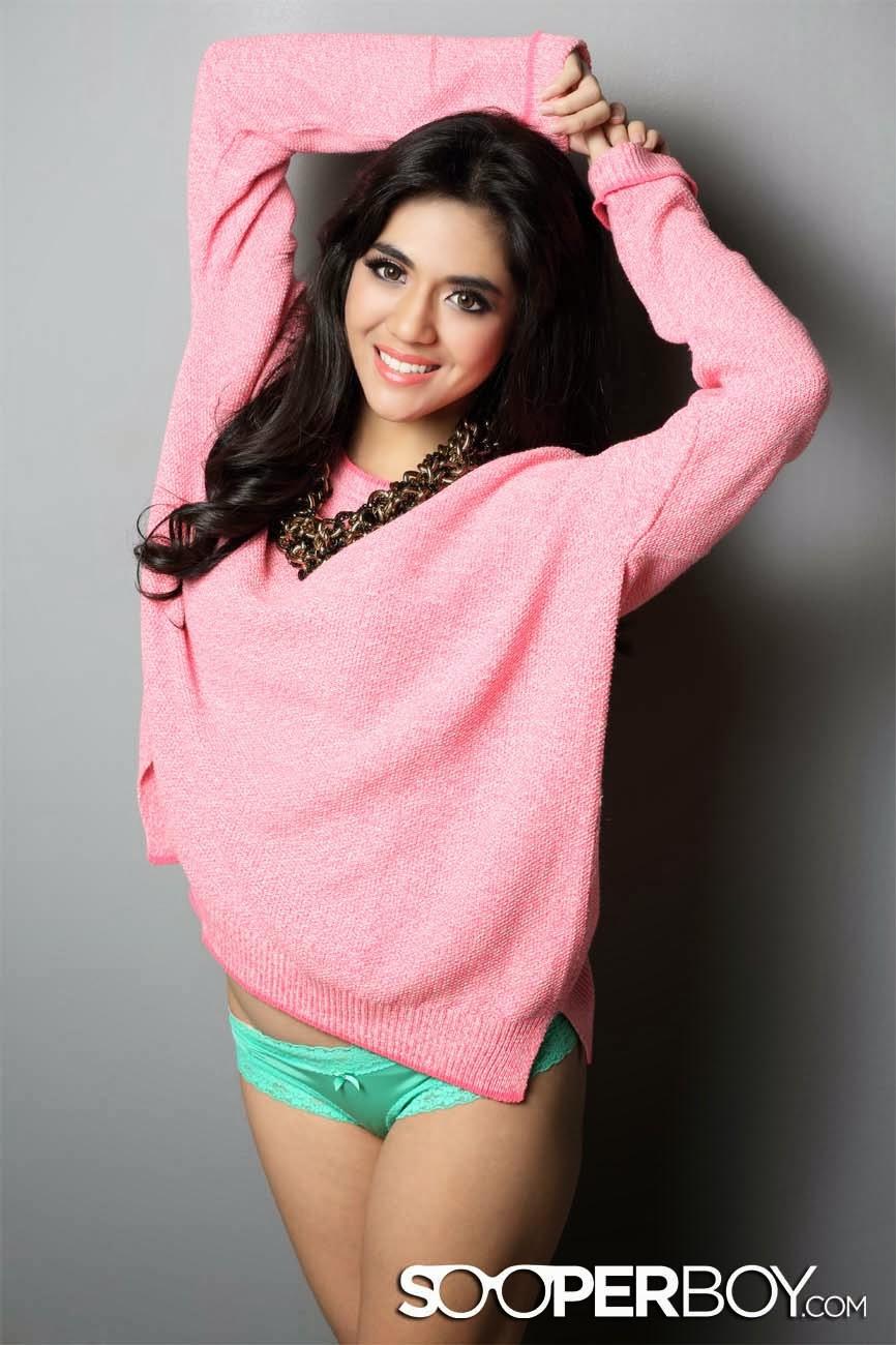 13278 Foto Seksi DJ Putri Una (Dahsyat RCTI) di Majalah Dewasa
