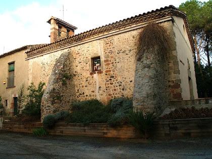 Façana sud de l'ermita de Sant Lleïr