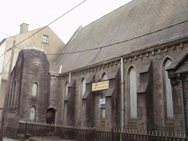 Iglesia transformada en club de badminton en Waterford