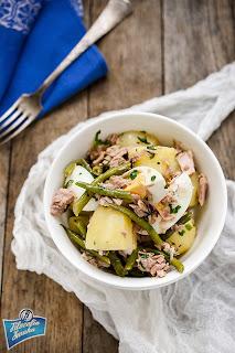 Sałatka ziemniaczana z tuńczykiem i fasolką