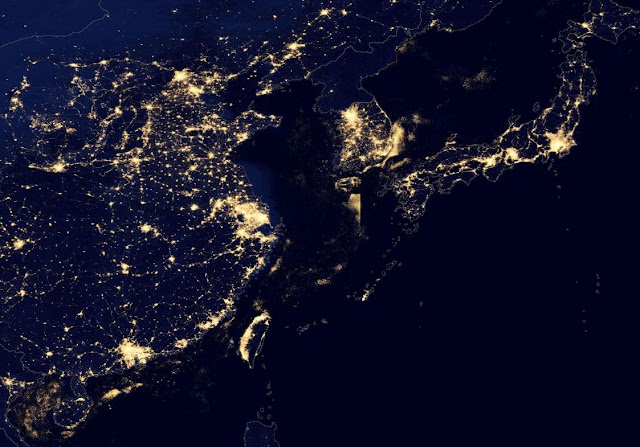 Vista nocturna del este asiático tomada por un satélite