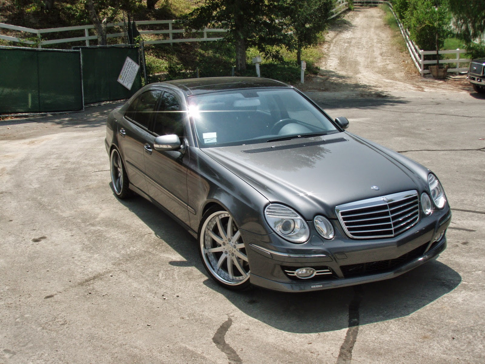 Mercedes benz w211 e350 4matic tuning benztuning for Pictures of a mercedes benz