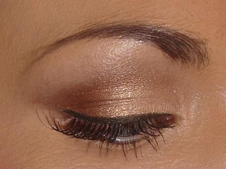 Bridal Eye Makeup Photo : Posted bycheeky at 15:13