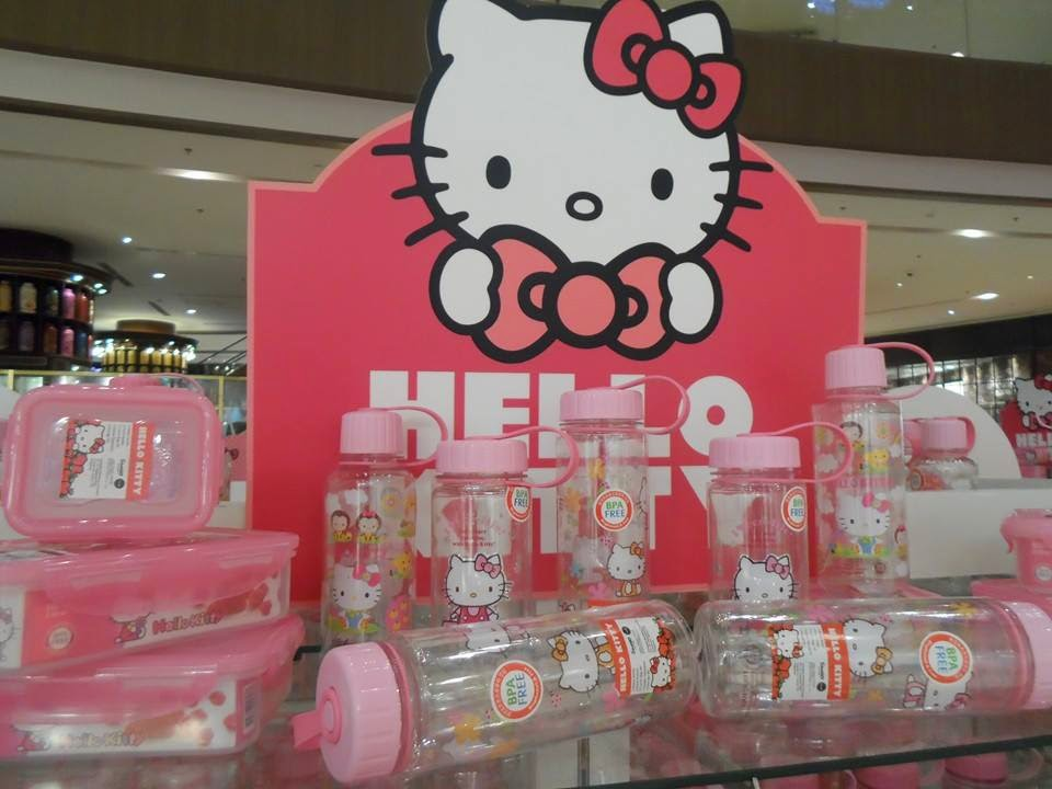 the lock lock hello kitty collection offers a wide variety of products that range from bento boxes air tight containers and tumblers