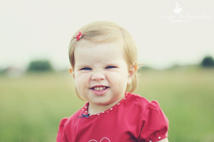 oczy dziecka, fotografia dziecięca, fotografia dziecięca łomianki, fotografia dziecięca warszawa, sesja plenerowa