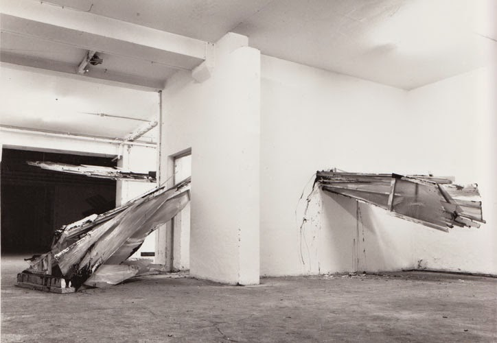 """Kuno Lindenmann, """"Durchbruch"""", Abriss-Installation als Beitrag zu So zu Sehen, Lothringerstraße, München, 1984"""