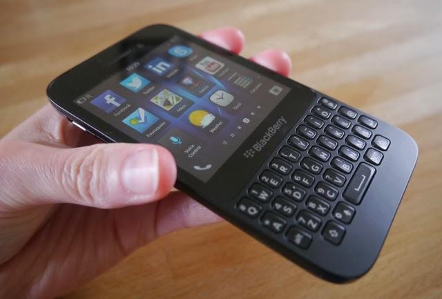 cuales y donde podría encontrar los motivos por el que debo comprar el blackberry q5