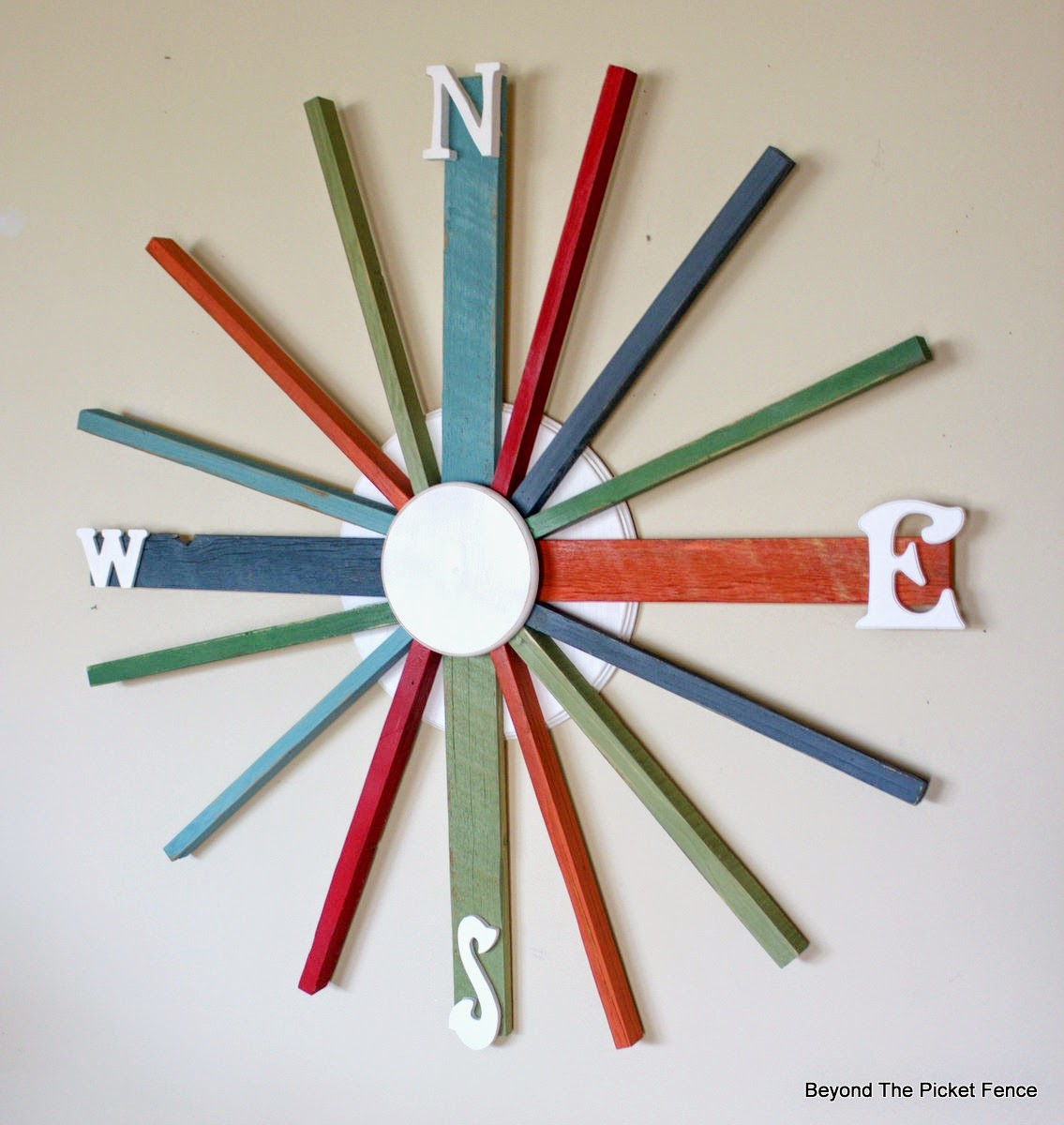 paint, reclaimed wood, wreath, compass, beyond the picket fence, http://bec4-beyondthepicketfence.blogspot.com/2015/04/compass.html