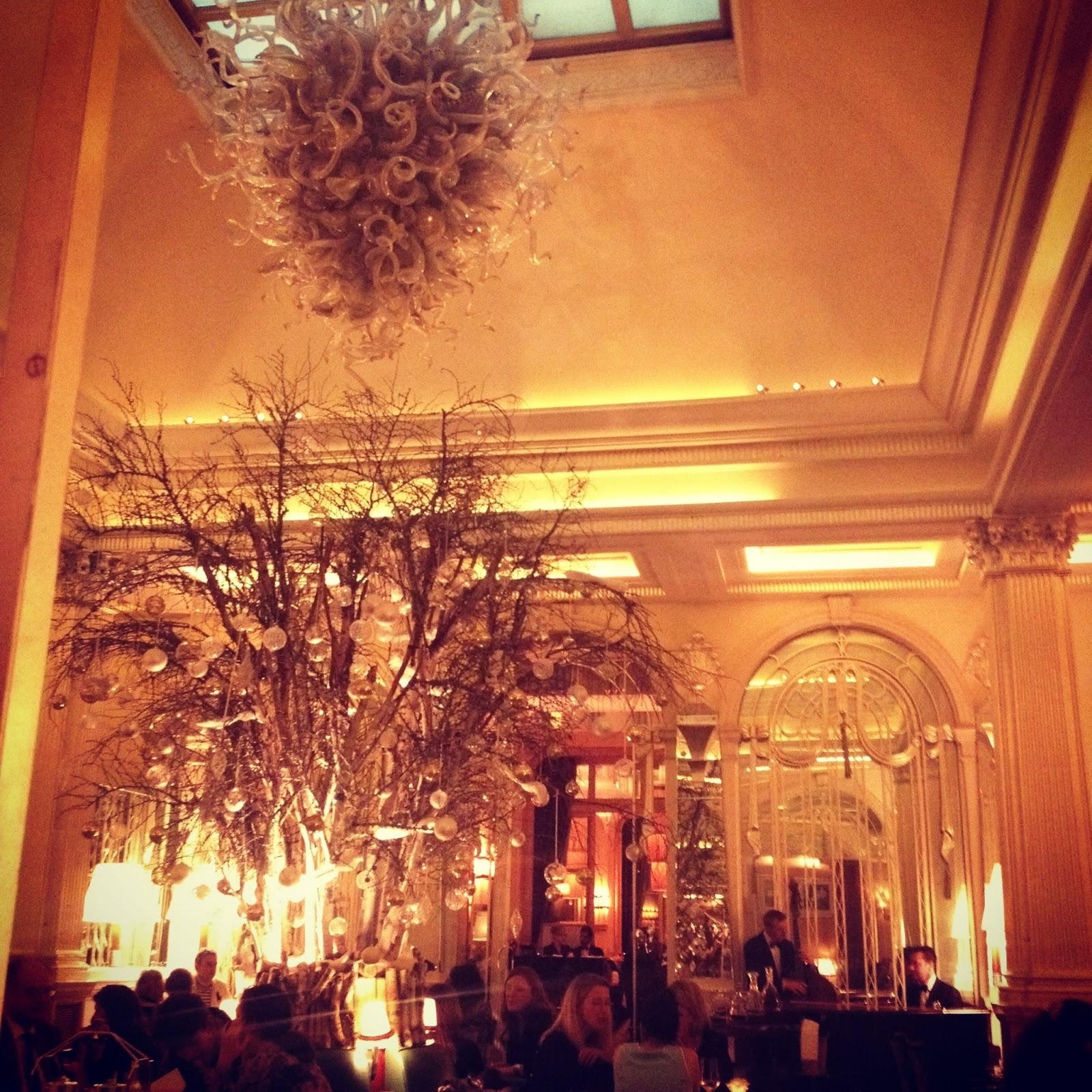 Foyer Reading Room Claridges : Curbappeal restaurant review claridges mayfair london