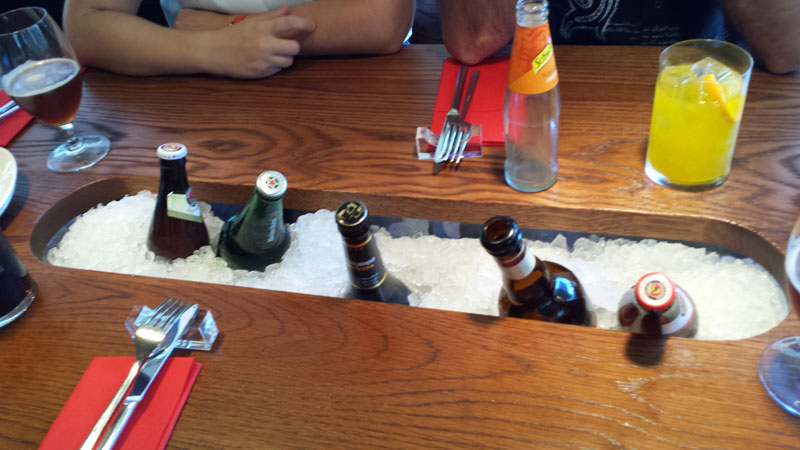 yakitoro, alberto chicote, chicote, restaurante, cocina fusion, madrid, donde comer, lugares, mesas, originales, bebidas, cervezas,