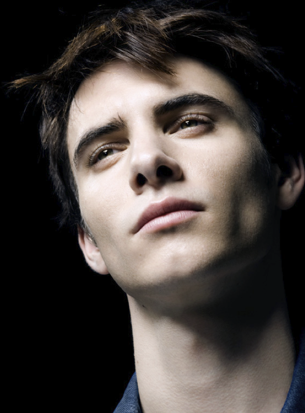harry lloyd photoshoot