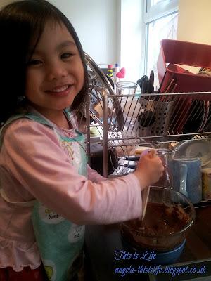 chocolate, chocolate rice crispies, chocolate rice krispies