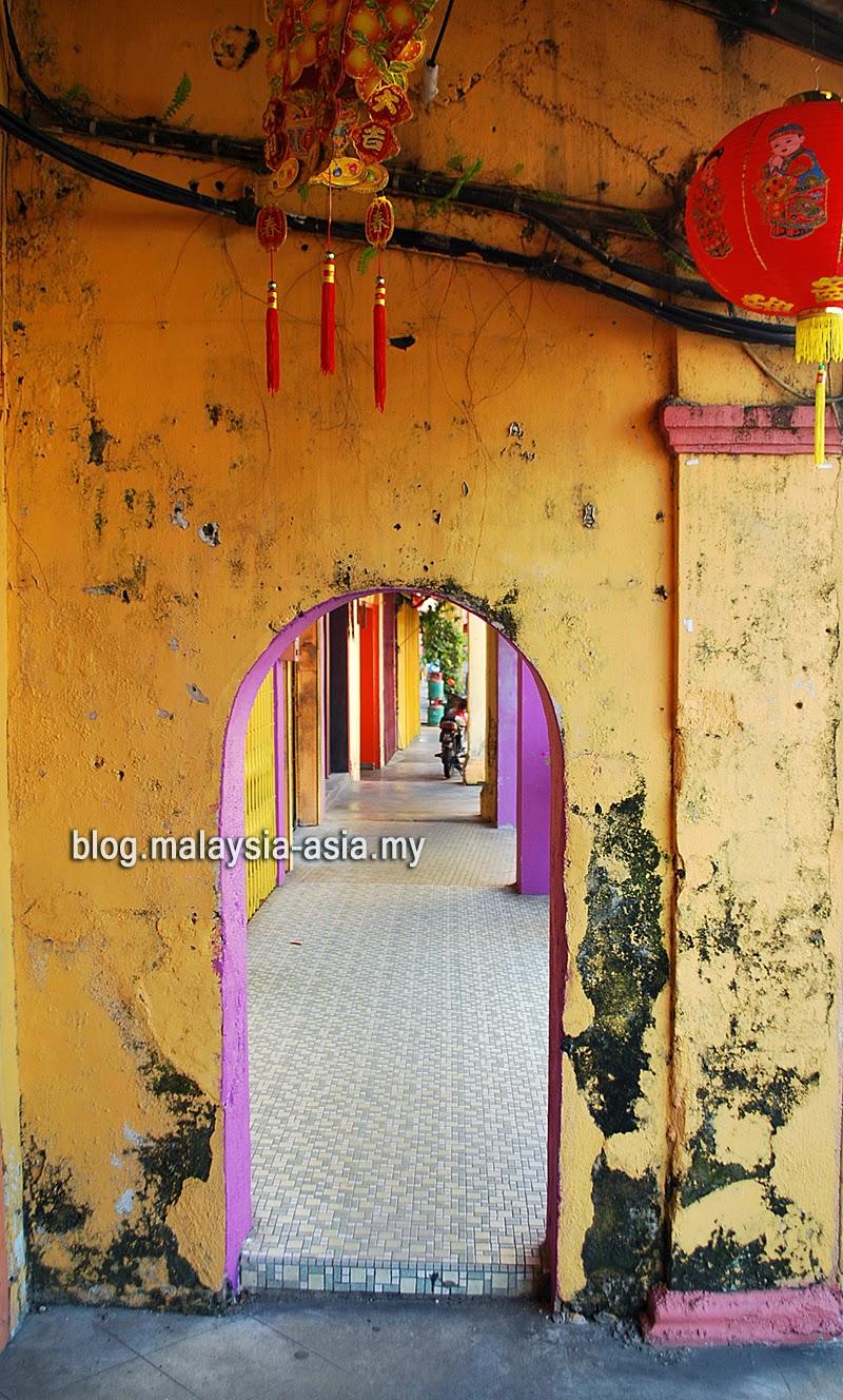 5-foot walkways in Malaysia