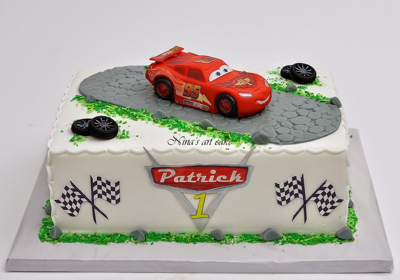 "Tort ""Fulger McQueen"" pentru Patrick"