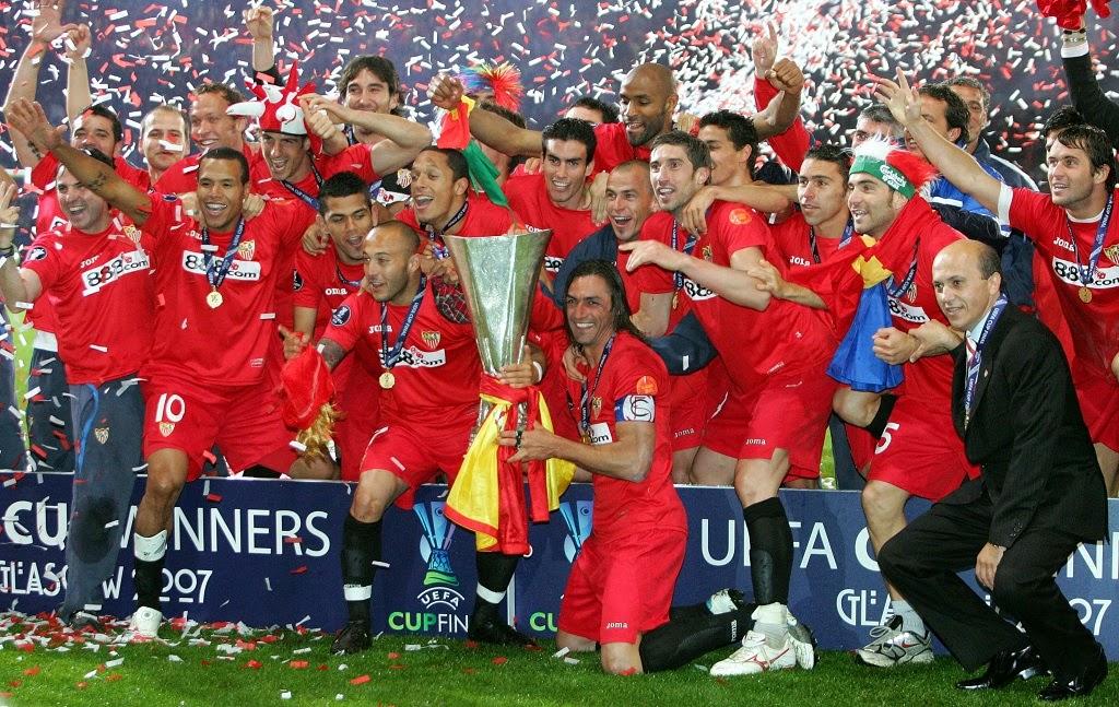 Sevilla campeón de la UEFA Europa League de 2006 tras final disputada contra el RCD Español