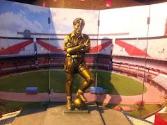 Sívori ya tiene su estatua