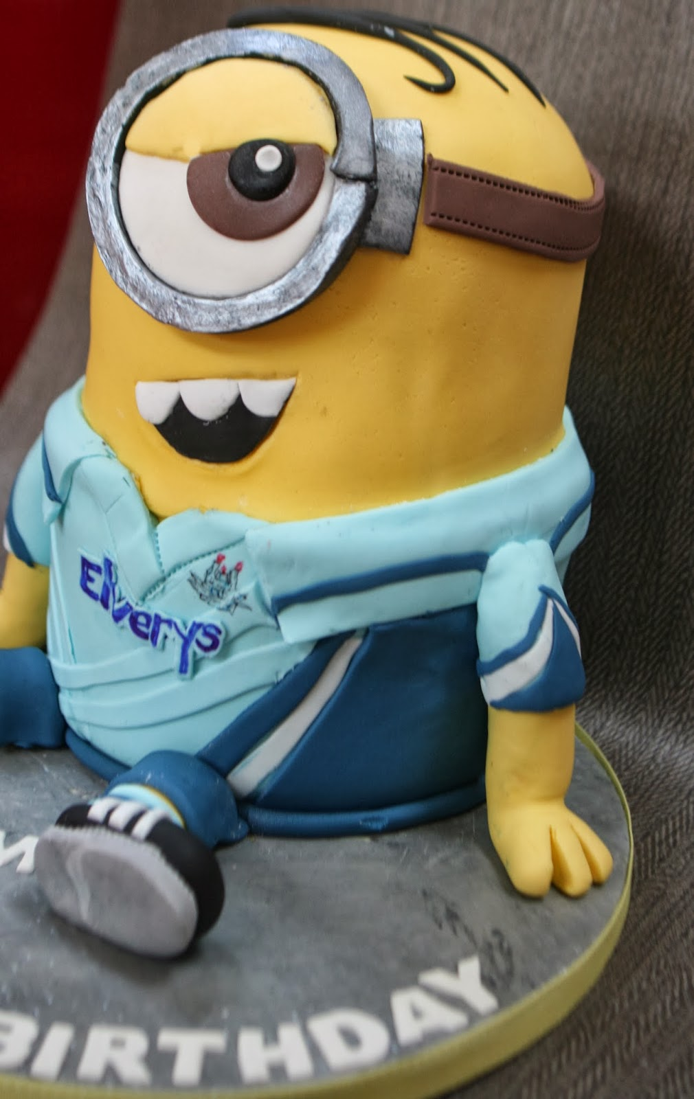 Minion Birthday Cake Dublin Image Inspiration of Cake and Birthday