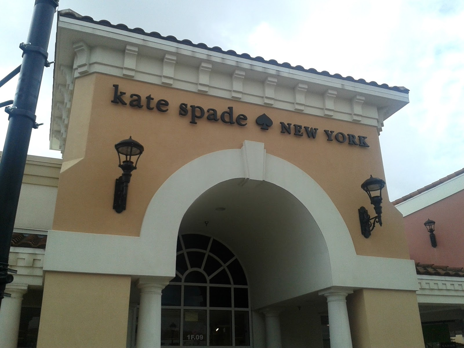 Orlando Outlets Kate Spade New York