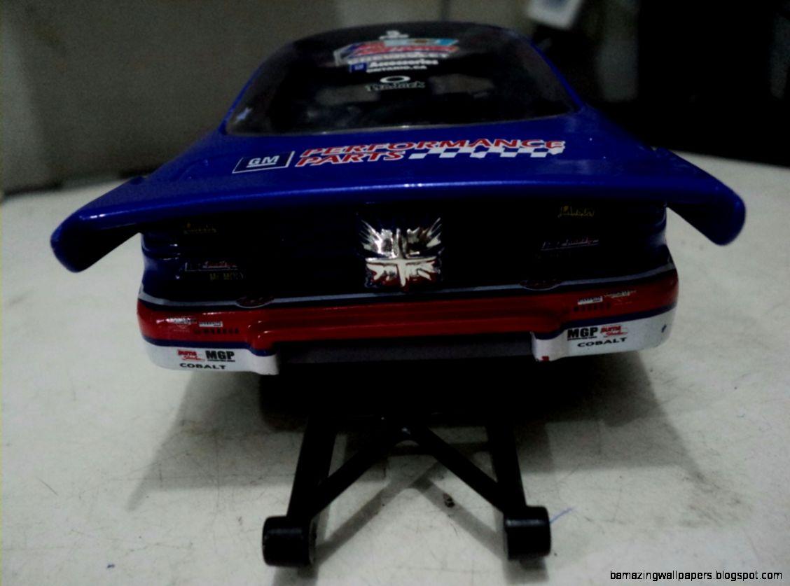Miniatura Funny Car Colbalt Drag Dragster 124 Importado   R 13000