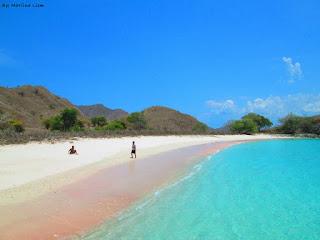 pantai pink pulau komodo, wisata pulau komodo ntt, komodo island indonesia