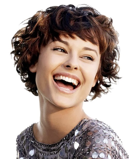 short cuts for curly hair oval face