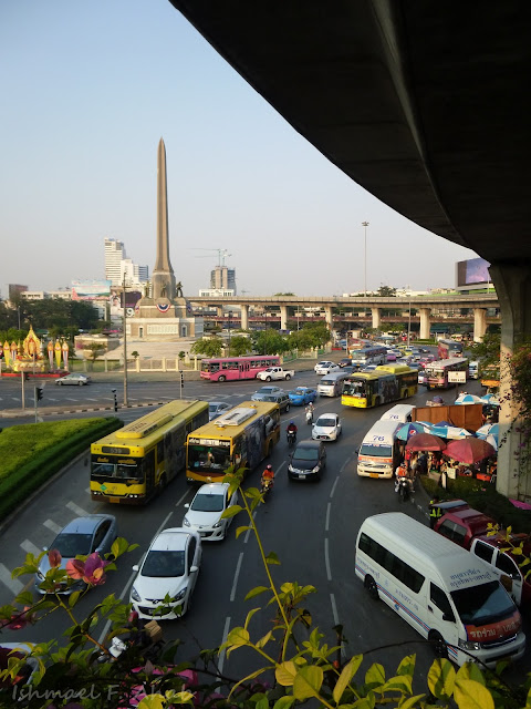 Afternoon rush at Victory Monument, Bangkok