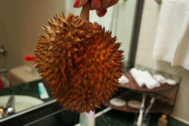 śmierdzący owoc