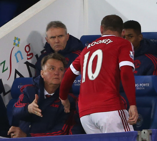 Wayne Rooney came off with an injury on Saturday (Picture: Getty Images)