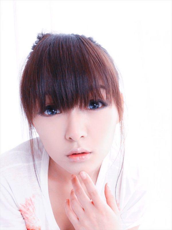 Hua Jia - Up Her Shirt