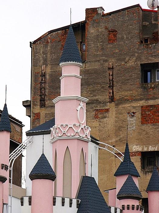 detaliu castel disney victoriei bucuresti