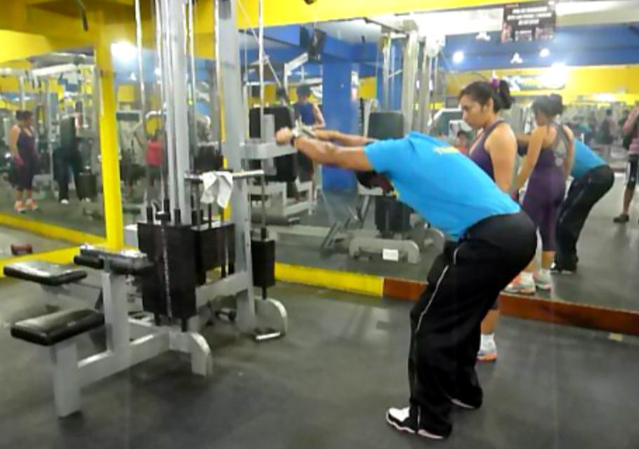 Gym21 tu gimnasio en surco lima peru maquinas pesas steps for Tu gimnasio