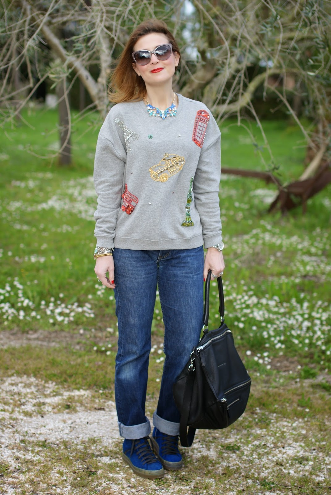comfortable outfit, Levi's 501 high waisted, Givenchy Pandora, Fashion and Cookies, fashion blogger